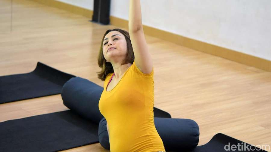 Hamil 3 Bulan, Selvi Kitty Makin Rajin Prenatal Yoga