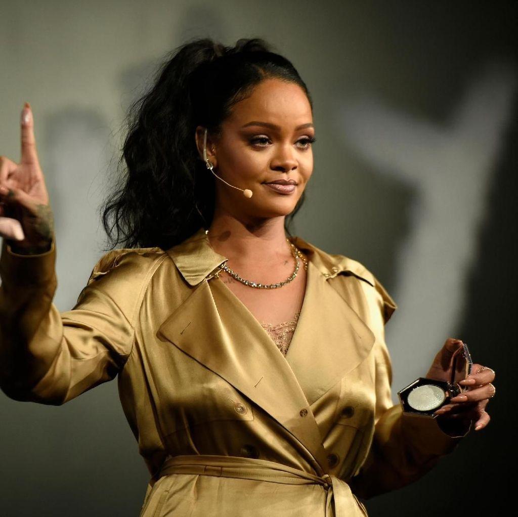 Ditagih Album Baru, Rihanna Siapkan Materi Reggae
