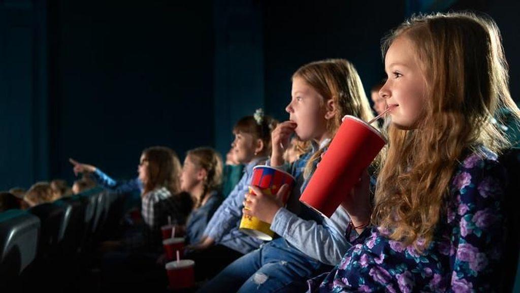 Tentang Anak-anak Menonton Film G30S PKI