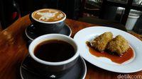 Pikul Coffee : Nikmatnya Nyeruput Arabika Kerinci Ditemani Kue Lupis yang Legit
