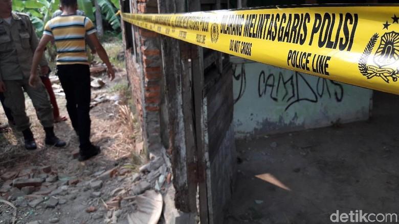 Mayat Bayi Ditemukan Pemulung di Rumah Kosong