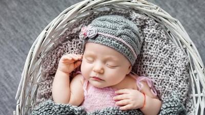30 Nama Bayi Perempuan Terinspirasi dari Keindahan Warna