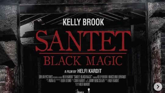 Menanti Aksi Si Seksi Kelly Brook di Film Santet