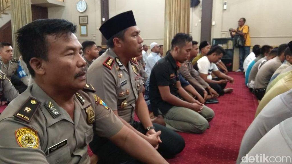 Polisi di Lamongan Urunan Sumbang Korban Gempa Palu