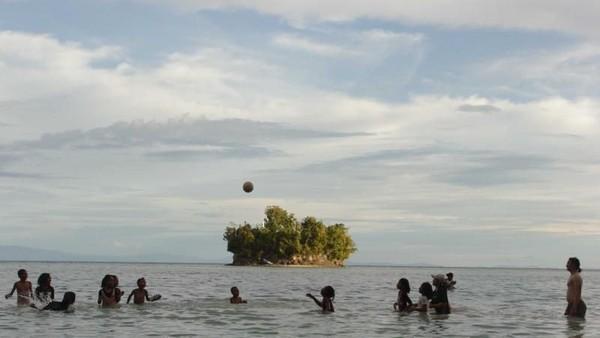 Selain tiga pantai itu, masih ada beberapa obyek wisata menarik lainnya seperti Pulau Owi dan Padaido, Pantai Water Basis, Taman Anggrek, Taman Burung, Kolam Biru, Pantai Parai, Museum Biak, dan Goa Jepang dan masih banyak pantai yang masih alami. Karina Londy/dTraveler