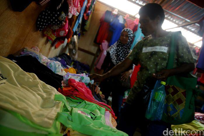 Begini suasana di dalam Pasar Skouw di perbatasan Indonesia dan Papua Nugini.
