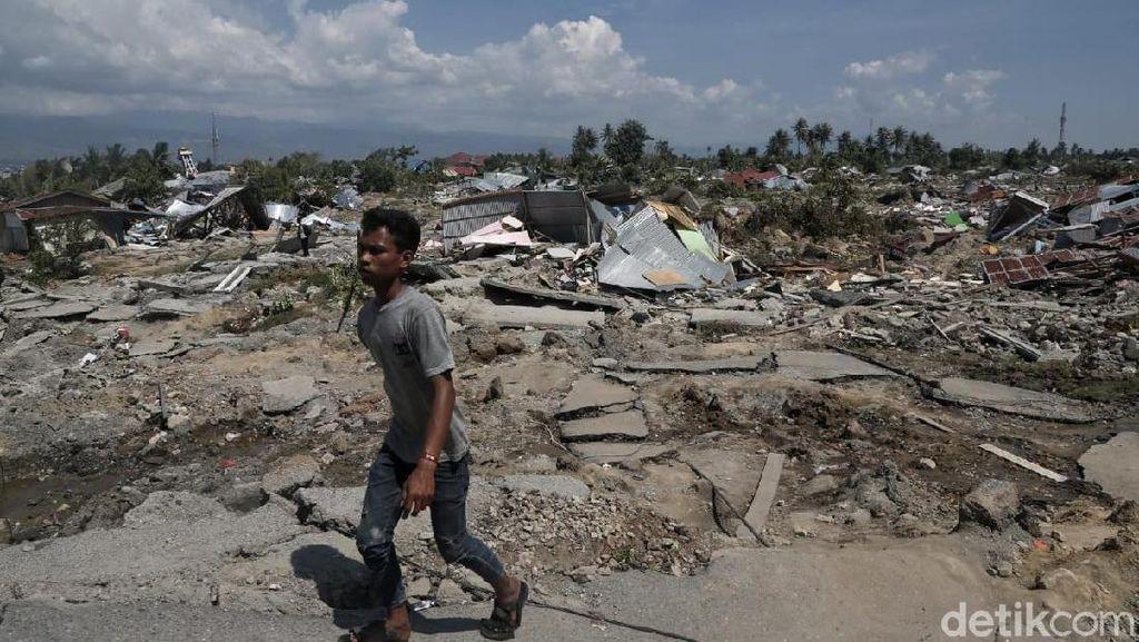 Gudang Bulog Runtuh Pasca Gempa Palu, Warga Sempat Ambil Beras