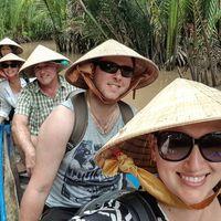 Bulan Madu Anti-mainstream, Pengantin Baru Backpacking ke 60 Negara