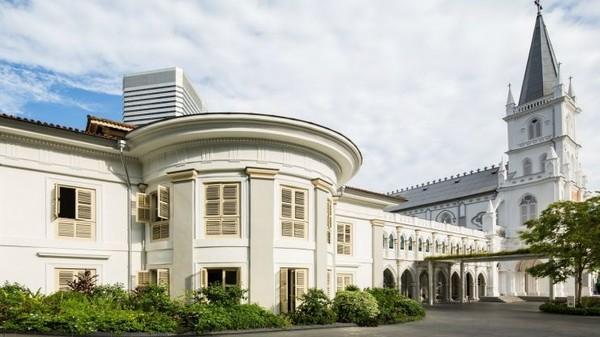 Traveler bisa menemui restoran, bar, salon hingga ruangan serbaguna yang bisa digunakan untuk berbagai acara (Visit Singapore)