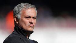 Mourinho Dibayangi Pemecatan, Gary Neville Membela