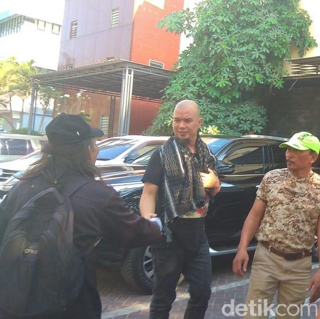 Jadi Tersangka Ujaran Kebencian, Ahmad Dhani Mangkir Panggilan Polisi