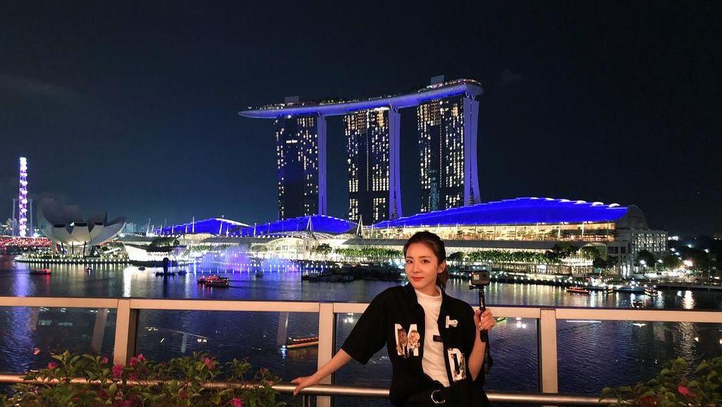 Foto: Ketika Bintang K-Pop, Sandara Park Jalan-jalan