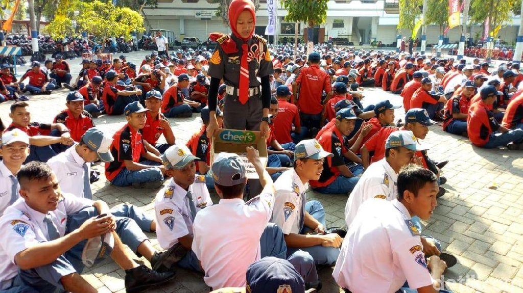 Ribuan Siswa di Ponorogo Galang Dana untuk Korban Bencana Palu-Donggala