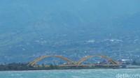 Beginilah potret Jembatan Kuning Ponulele sebelum dihantam gempa dan tsunami (Afif Farhan/detikTravel)