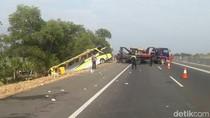 Mobil Jenazah Siswa SMPN 1 Pulokulon Kecelakaan di Alas Roban