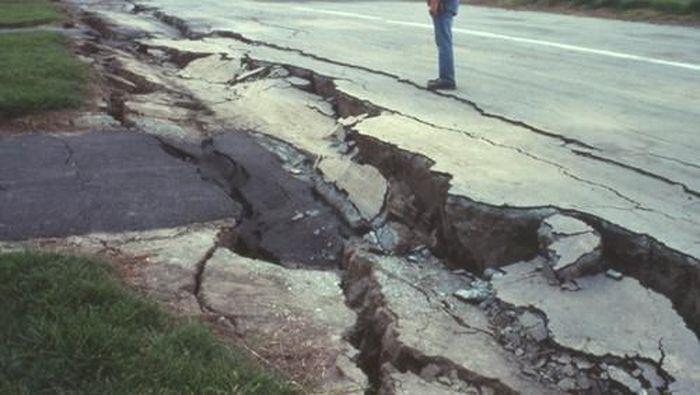 Foto: S.D. Ellen, U.S. Geological Survey, in U.S. Geological Survey Open File Report 90-547, number XIV-4 (Situs USGS)