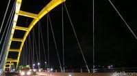 Jembatannya yang menghubungkan menghubungkan Kecamatan Palu Timur dan Palu Barat (Afif Farhan/detikTravel)