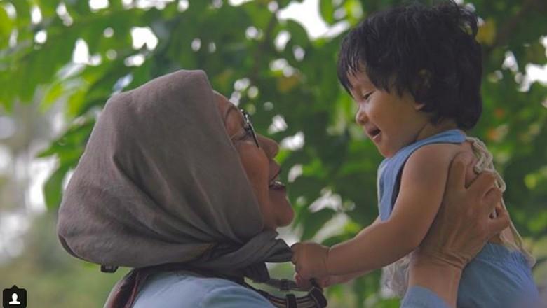 Sekeras Apapun Ratna Sarumpaet, Luluh Juga Saat Bicarakan Anak Cucu/Foto: Instagram