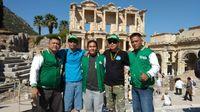 Asep dan keempat mitra driver saat berkunjung ke Turki.