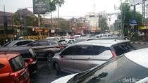 Warga Membeludak, Polisi Setop Promo BBM Murah di SPBU Bandung