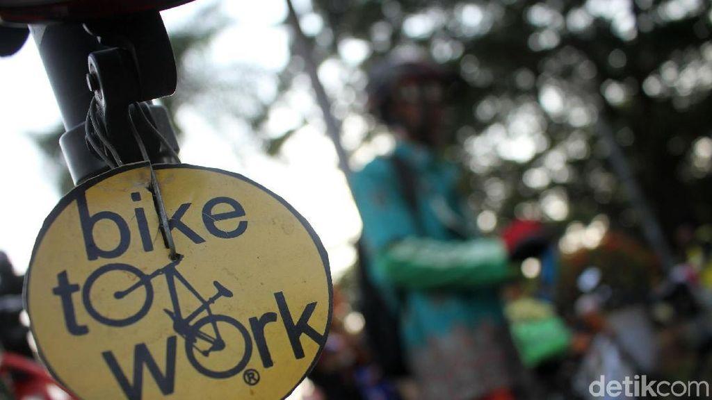 Tips Cepat Ganteng Usai Berkeringat ala Anak Bike2Work