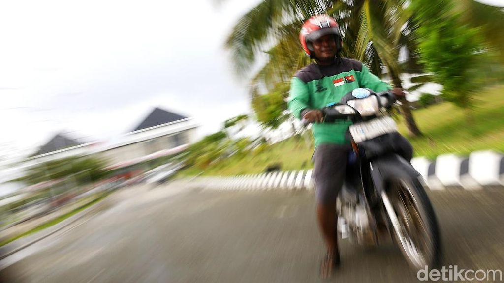 Ke Ujung Timur Indonesia Naik Ojek Lintas Batas