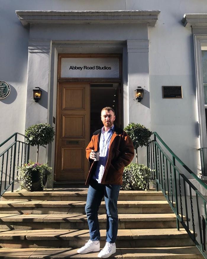 Nama Sam Smith mulai terkenal ketika ia merilis beberapa lagu hits, salah satunya Im Not The Only One. Kini penyanyi asal Inggris itu, kerap membagikan aktivitasnya ketika makan di akun Instagramnya. Foto: Instagram @samsmith