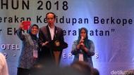 Belum Diangkat Jadi PNS, Ibu-ibu PKK Asal Majene Curhat ke Jokowi