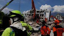 Bulog Kirim Beras hingga Daging ke Korban Gempa Palu