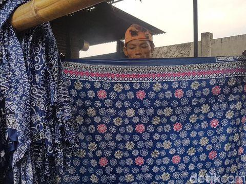 Motif batik Banten.