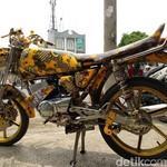 Melestarikan Budaya Batik Lewat Modifikasi Motor