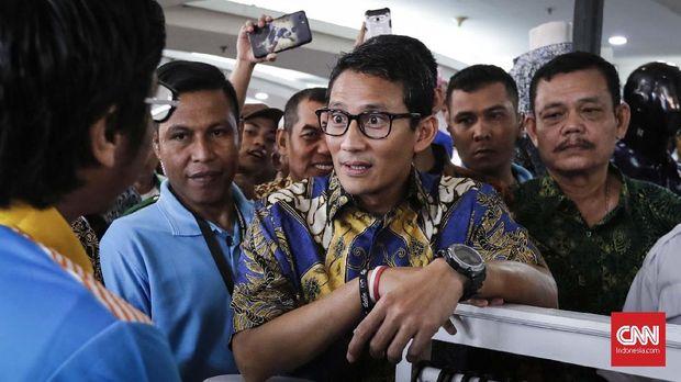 Cawapres nomor urut 2 Sandiaga Salahuddin Uno, di Thamrin City, Jakarta, 2 Oktober.