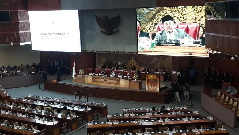 Di Paripurna DPR, Fahri Ajak Anggota Dewan Doa untuk Sulteng