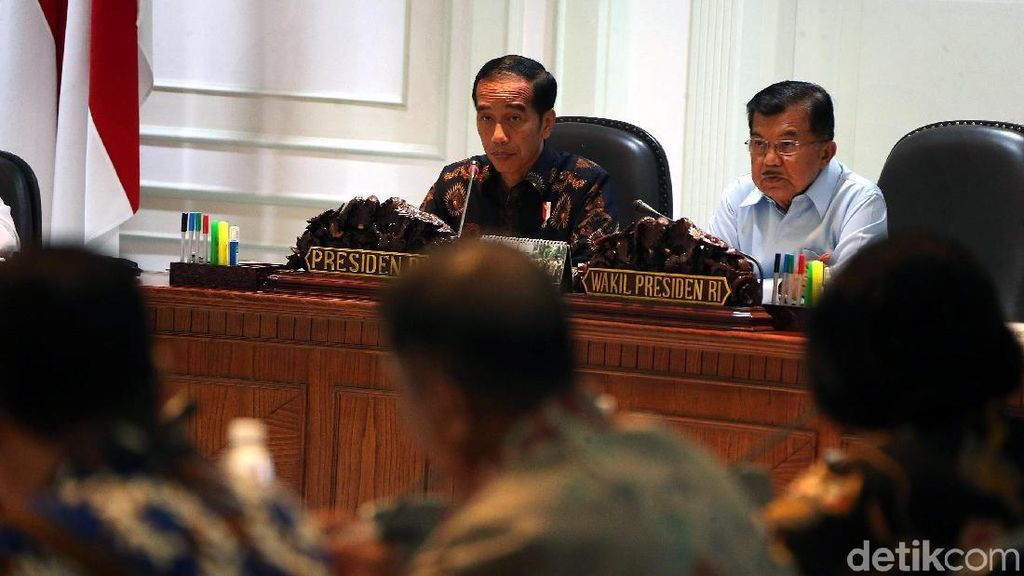 Jokowi Kumpulkan Menteri hingga Pemda Bahas Kemacetan Jabodetabek