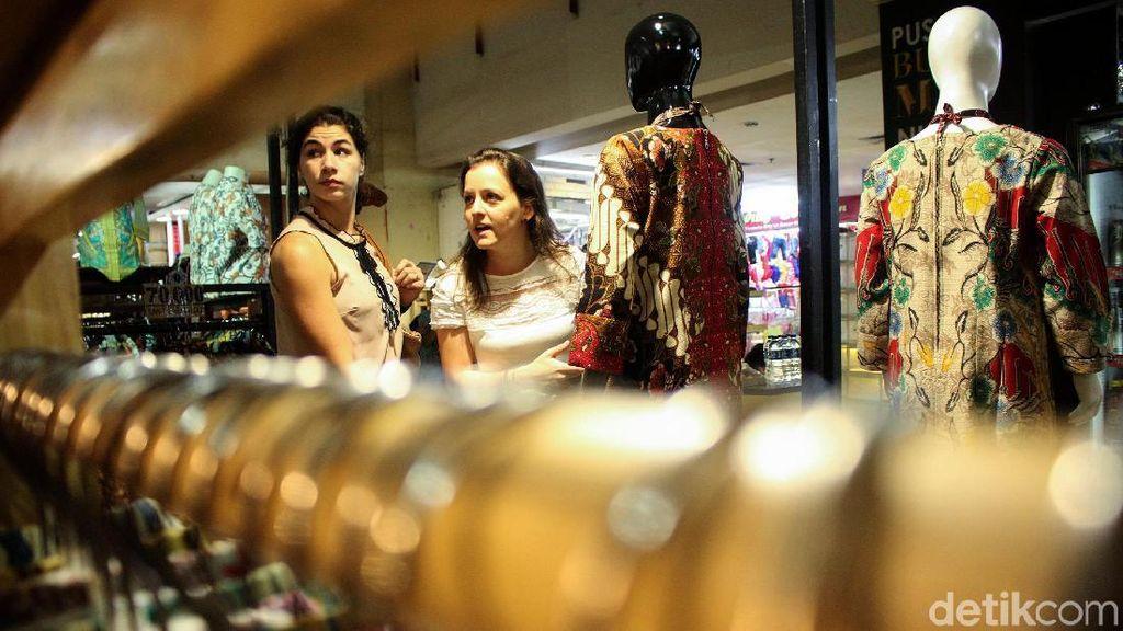 Semangat Gaungkan Batik di Pusat Perbelanjaan