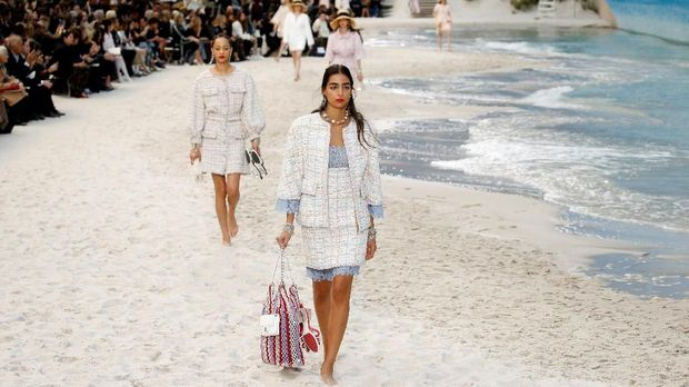 Peragaan koleksi Chanel musim semi 2019.
