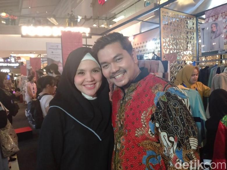Foto: Indra Bekti dan Istri (detikHOT)