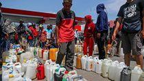Ratusan Warga Korban Gempa Palu Antre BBM