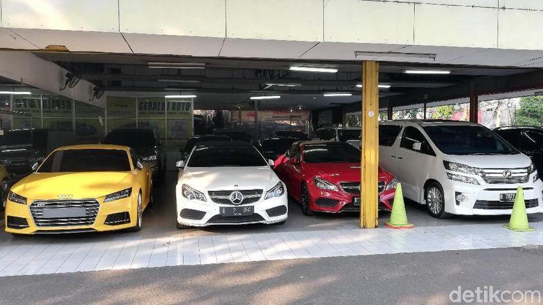Penjualan Mobil Mewah Bekas Anjlok