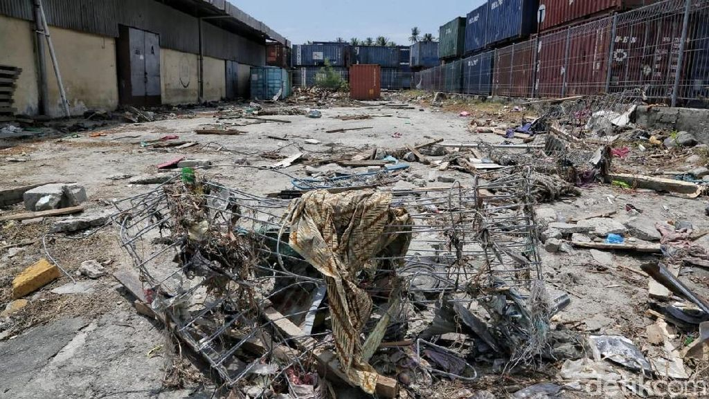 Porak Poranda, Ini Pelabuhan Pantoloan Palu Pasca Tsunami