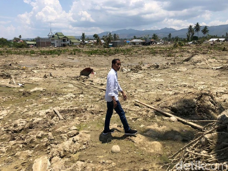 Jokowi Tinjau Kampung di Petobo yang Ditelan Bumi Akibat Gempa