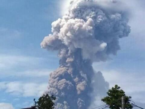 Gunung Soputan erupsi, Rabu (3/10/2018)