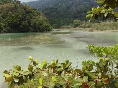 Keajaiban Malaysia, Ada Danau Air Tawar di Tepi Pantai