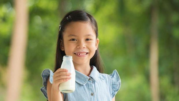 Ilustrasi anak diajari pola hidup sehat