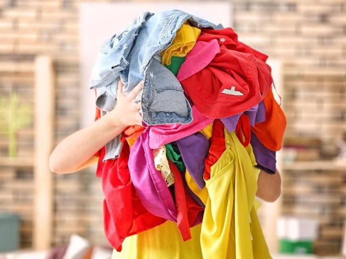 Jangan Sumbang Baju Seperti Ini Untuk Korban Bencana Alam f7a80b5422