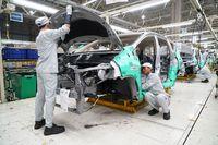 Tanda Perlambatan Lagi, Penjualan Mobil di China Jatuh