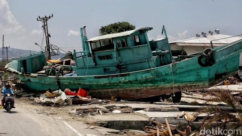 Suasana Pantai Taipa 5 Hari Pasca Diterjang Gempa dan Tsunami
