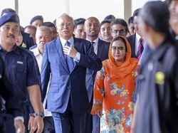Najib Ditangkap di HUT Istri, Putrinya Posting Kata-kata Emosional Ini
