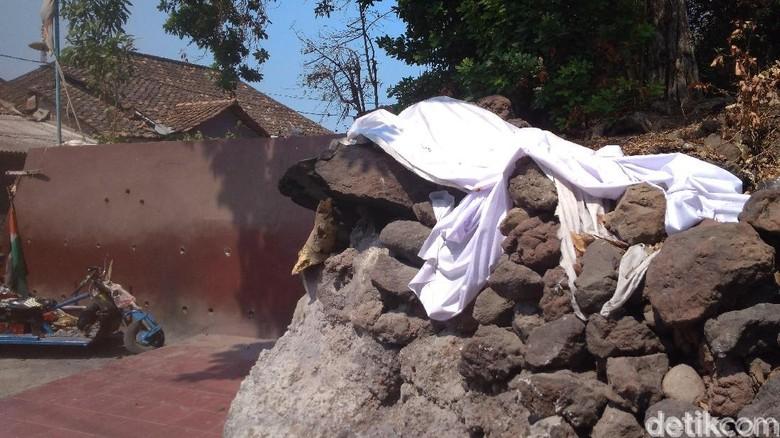 Batu Penolak Bala di Makam Sunan Gunung Jati (Sudirman Wamad/detikTravel)