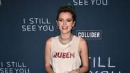 Momen Bella Thorne Percaya Diri Pamer Rambut Ketiak di Red Carpet